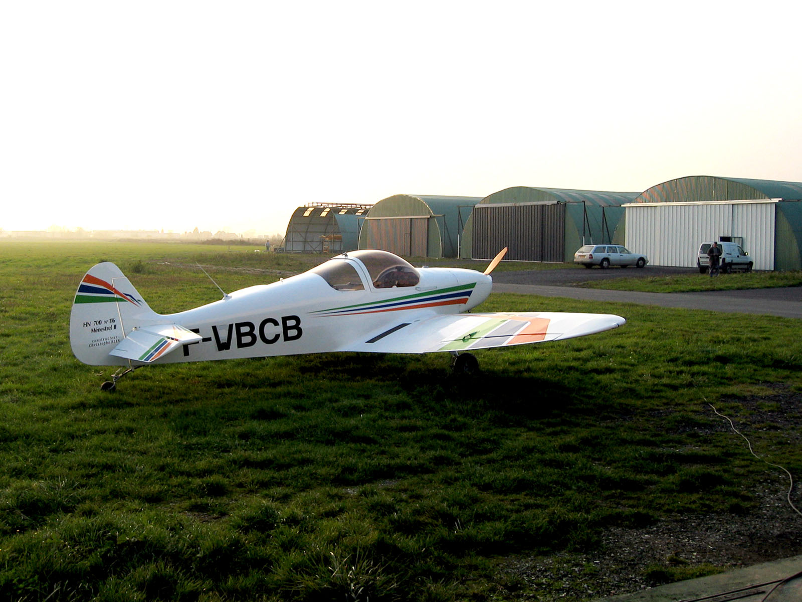 http://avionmenestrel1.free.fr/avion/F-PBCB/1.jpg